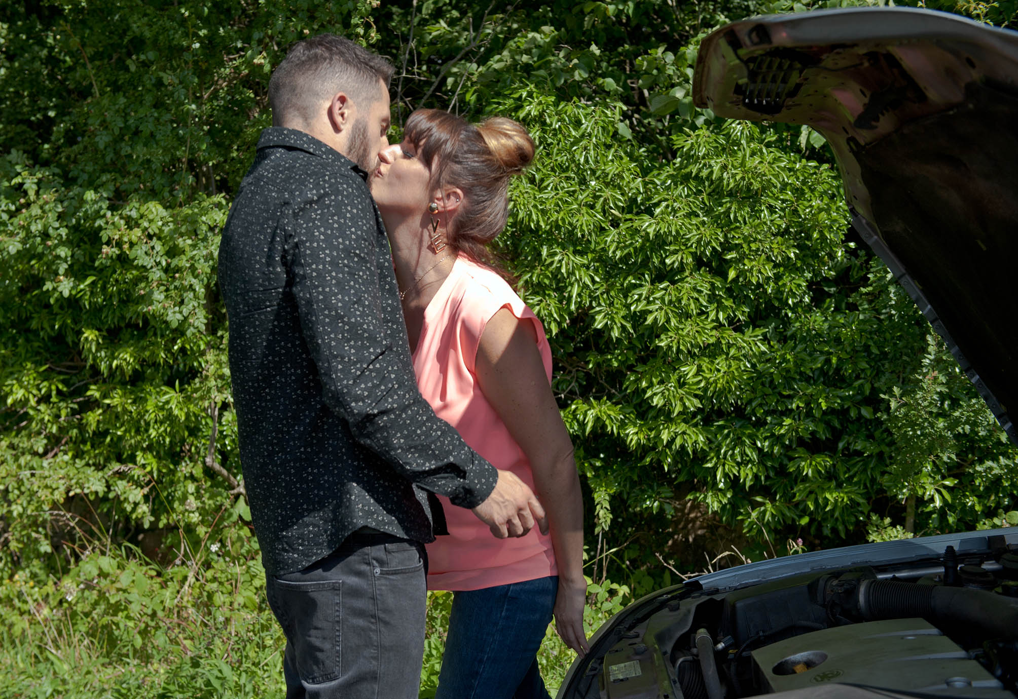 FROM ITV STRICT EMBARGO - NO USE BEFORE TUESDAY 30 AUGUST 2016 Emmerdale - Ep 7608 Tuesday 6th September 2016 A reckless Kerry Wyatt [LAURA NORTON] kisses Ross Barton [MICHAEL PARR] and he sees an opportunity to win his bet with Pete... Picture contact: david.crook@itv.com on 0161 952 6214 Photographer - Amy Brammall This photograph is (C) ITV Plc and can only be reproduced for editorial purposes directly in connection with the programme or event mentioned above, or ITV plc. Once made available by ITV plc Picture Desk, this photograph can be reproduced once only up until the transmission [TX] date and no reproduction fee will be charged. Any subsequent usage may incur a fee. This photograph must not be manipulated [excluding basic cropping] in a manner which alters the visual appearance of the person photographed deemed detrimental or inappropriate by ITV plc Picture Desk. This photograph must not be syndicated to any other company, publication or website, or permanently archived, without the express written permission of ITV Plc Picture Desk. Full Terms and conditions are available on the website www.itvpictures.com