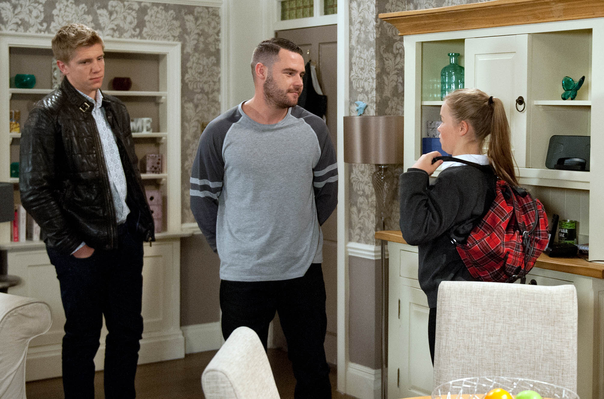 FROM ITV STRICT EMBARGO - NO USE BEFORE TUESDAY 6th SEPTEMBER 2016 Emmerdale - Ep 7614 Tuesday 13th September 2016 Liv [ISOBEL STEELE] sulks about being left with Robert Sugden [RYAN HAWLEY] and Chas Dingle [LUCY PARGETTER] as Aaron Dingle [DANNY MILLER] leaves for France. Picture contact: david.crook@itv.com on 0161 952 6214 Photographer - Amy Brammall This photograph is (C) ITV Plc and can only be reproduced for editorial purposes directly in connection with the programme or event mentioned above, or ITV plc. Once made available by ITV plc Picture Desk, this photograph can be reproduced once only up until the transmission [TX] date and no reproduction fee will be charged. Any subsequent usage may incur a fee. This photograph must not be manipulated [excluding basic cropping] in a manner which alters the visual appearance of the person photographed deemed detrimental or inappropriate by ITV plc Picture Desk. This photograph must not be syndicated to any other company, publication or website, or permanently archived, without the express written permission of ITV Plc Picture Desk. Full Terms and conditions are available on the website www.itvpictures.com