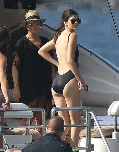Picture Shows: Kris Jenner, Kendall Jenner August 19, 2015 The Kardashian/Jenner clan enjoy a family fun day on a yacht in St Barts. The happy reality stars had the cameras rolling while they enjoyed various water activities including jet-skiing and even fly-boarding, and were joined by Kylie's boyfriend, Tyga. Non Exclusive UK RIGHTS ONLY Pictures by : FameFlynet UK © 2015 Tel : +44 (0)20 3551 5049 Email : info@fameflynet.uk.com
