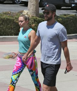 Picture Shows: Miley Cyrus, Liam Hemsworth August 26, 2016 * Min Mag Fee £200 Per Pic - Double For Cover * Miley Cyrus and Liam Hemsworth are spotted out for lunch in Los Angeles, California. Miley and Liam have announced they are in no rush to get married but looked very much in love as they held hands as they walked to the car. * Min Mag Fee £200 Per Pic - Double For Cover * Exclusive All Rounder UK RIGHTS ONLY Pictures by : FameFlynet UK © 2016 Tel : +44 (0)20 3551 5049 Email : info@fameflynet.uk.com