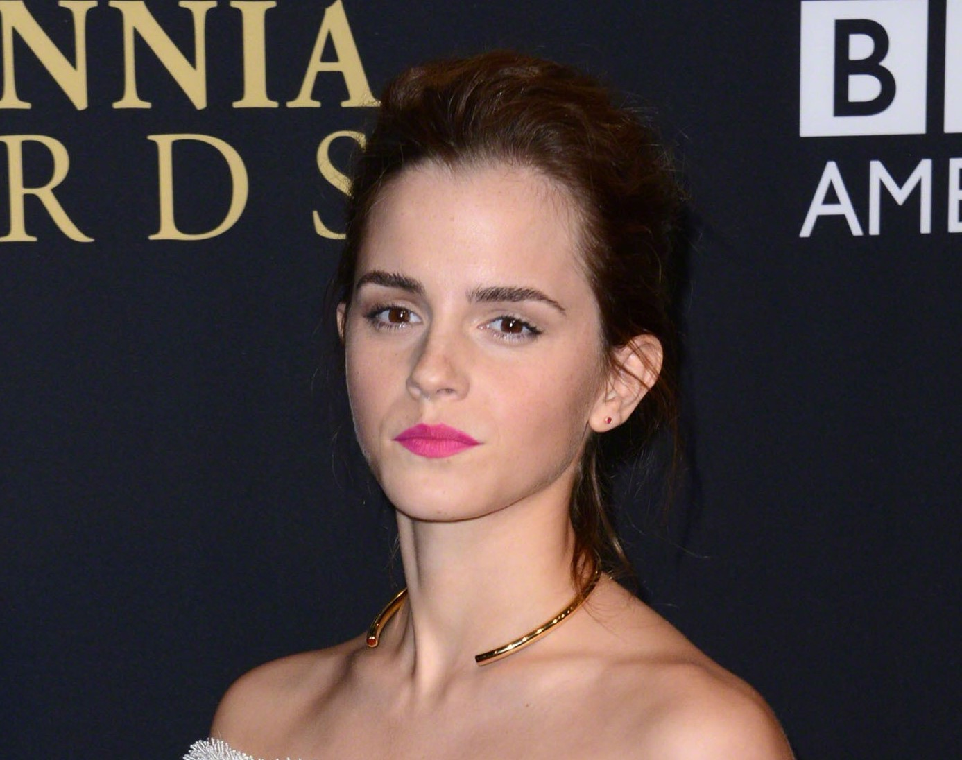 emma watson calls in lawyers after 'naked' pics appear online