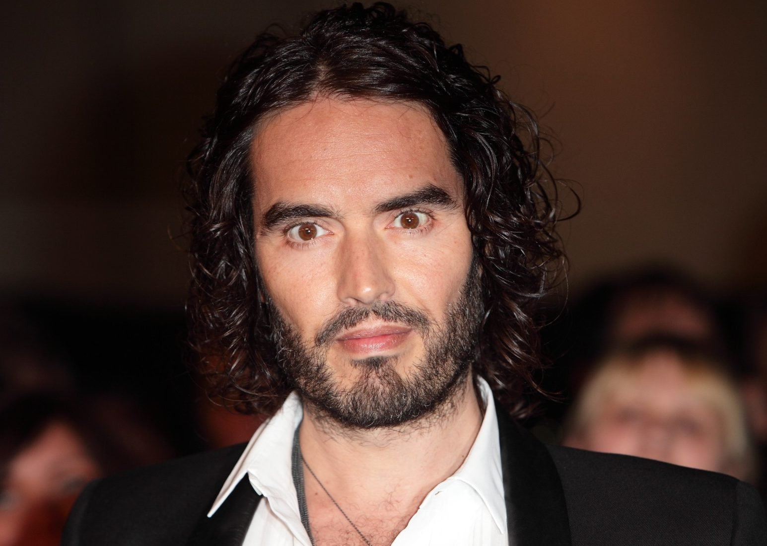 Russell Brand's Mom Suffers 'Life-Threatening Injuries' After 'Serious' Car Accident