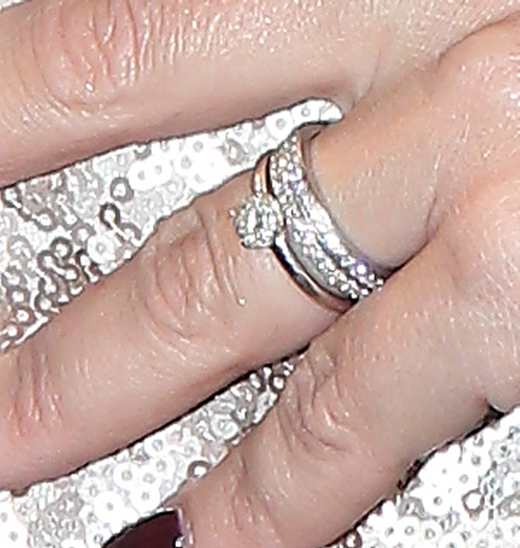 Kelly Brook secretly married? Star spotted wearing huge sparkler on ...