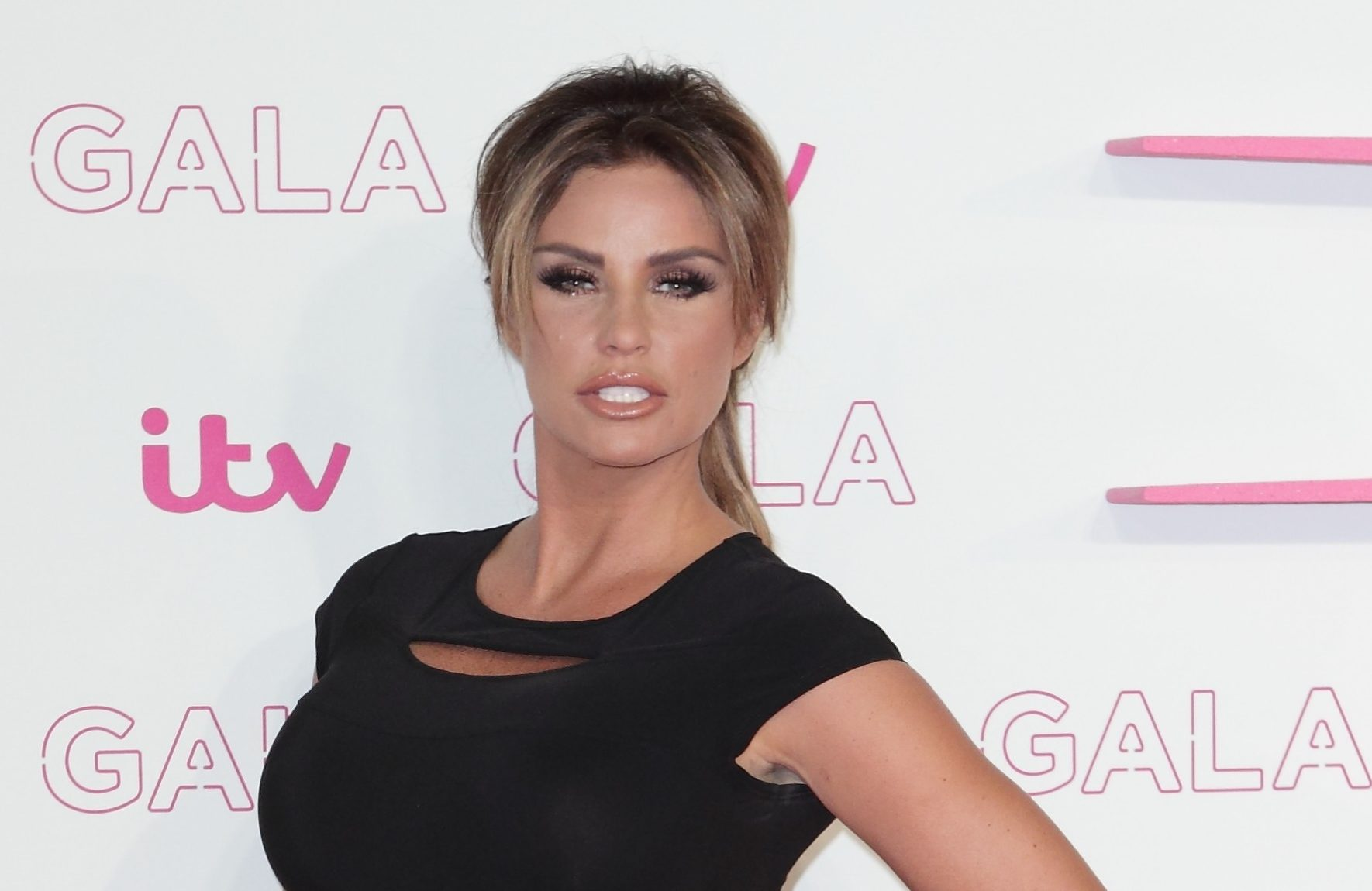 Katie Price planning drastic action to spice up flagging marriage!