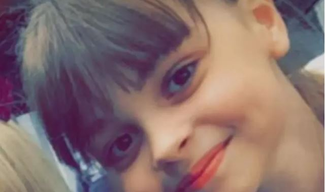 Ariana Grande pays tribute to late fan Saffie Roussos