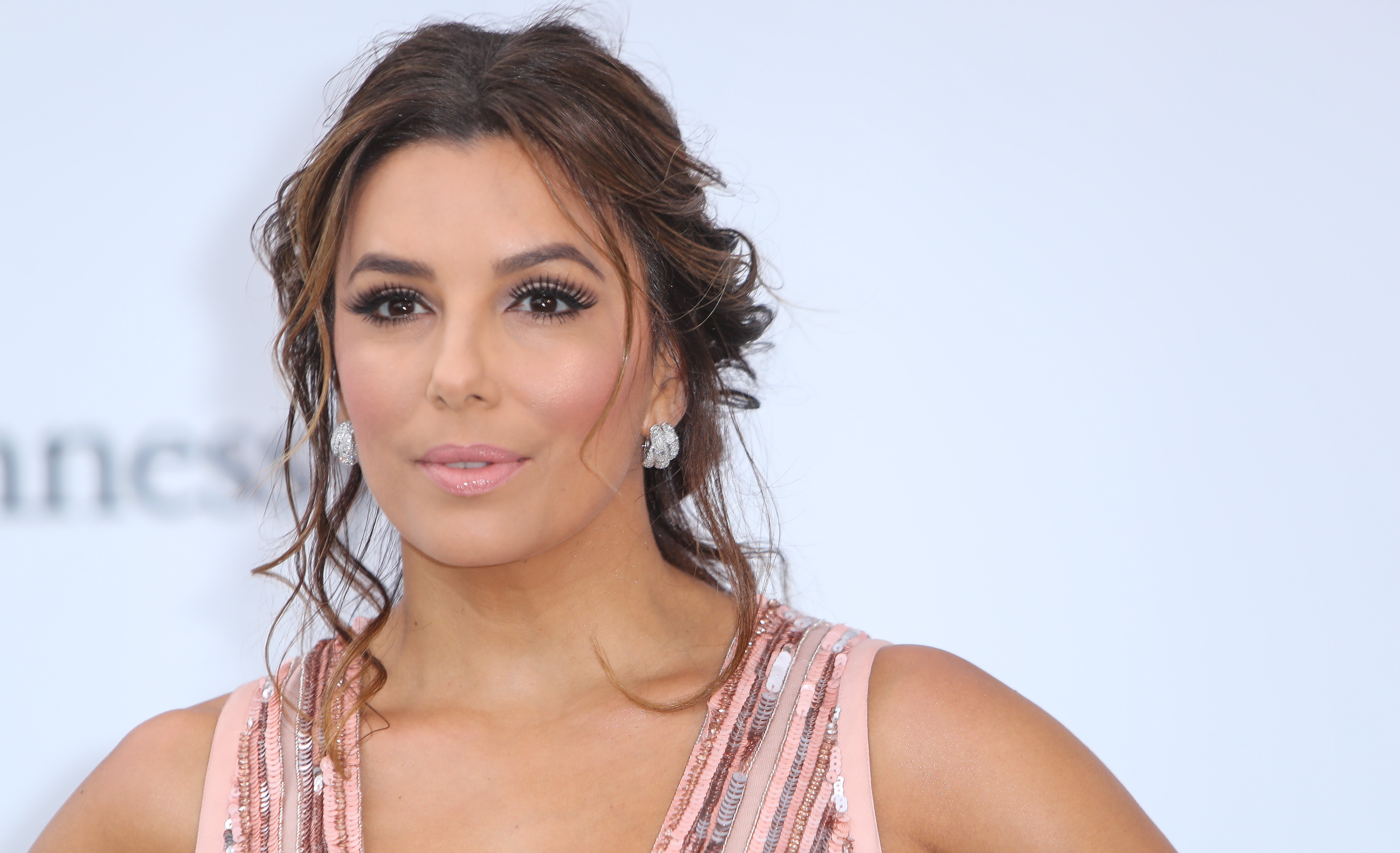 42-year-old Eva Longoria was wearing a sexy black suit for a photo shoot 02.08.2017 37