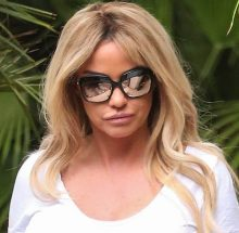 Picture Shows: Katie Price August 02, 2017 'Loose Women' presenter Katie Price wears a revealing tight white top and appears to not be wearing a bra as she leaves the ITV studios with her mini-me daughter in London, England, UK. Non Exclusive WORLDWIDE RIGHTS Pictures by : Flynet Pictures © 2017 Tel : +44 (0)20 3551 5049 Email : info@flynetpictures.co.uk