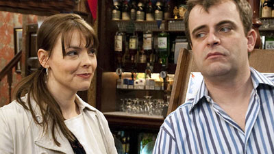 Former Corrie barmaid hints at return - could she break up Steve and Tracy?!