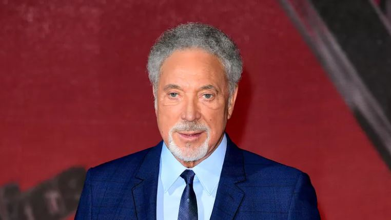 Tom Jones postpones United States tour, including Foxwoods casino show