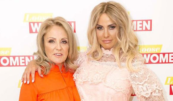 Katie Price considering donating one of her lungs to her terminally ill mum