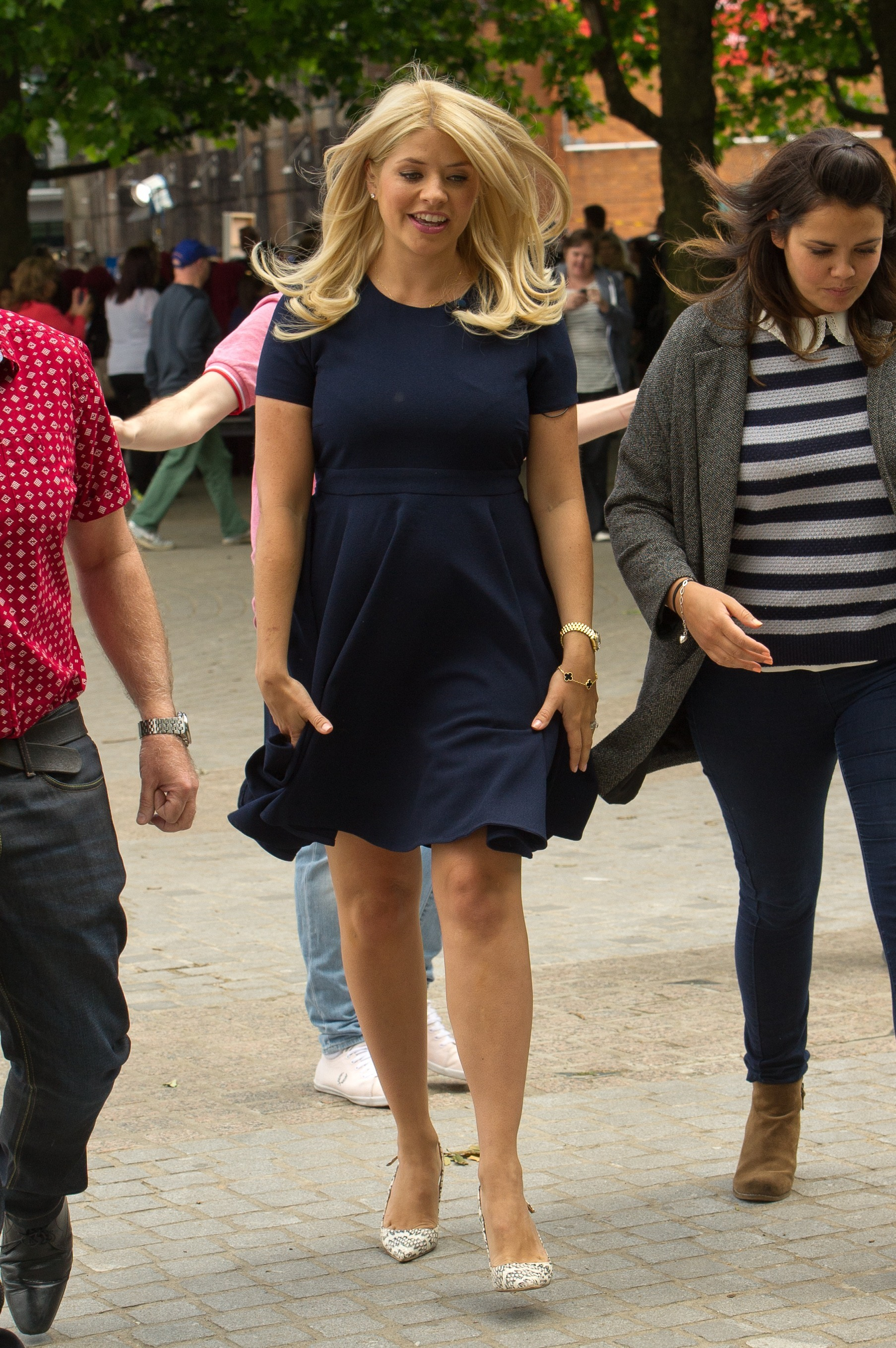 Holly Willoughby reportedly fears fourth pregnancy for a very odd ...