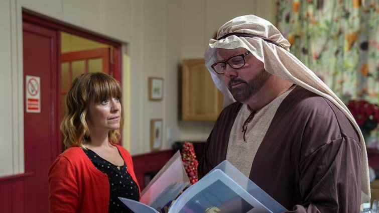 Emmerdale viewers slate Paddy and Rhona's unrealistic life