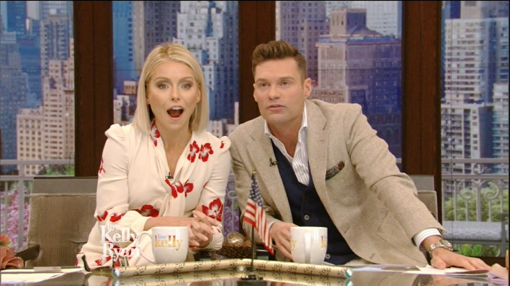 'Live' Fans Divided Over Kelly Ripa's Latest Look: 'Not a Fan'