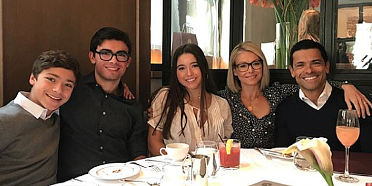 Fans Go Wild Over Kelly Ripa S Candid Holiday Photo