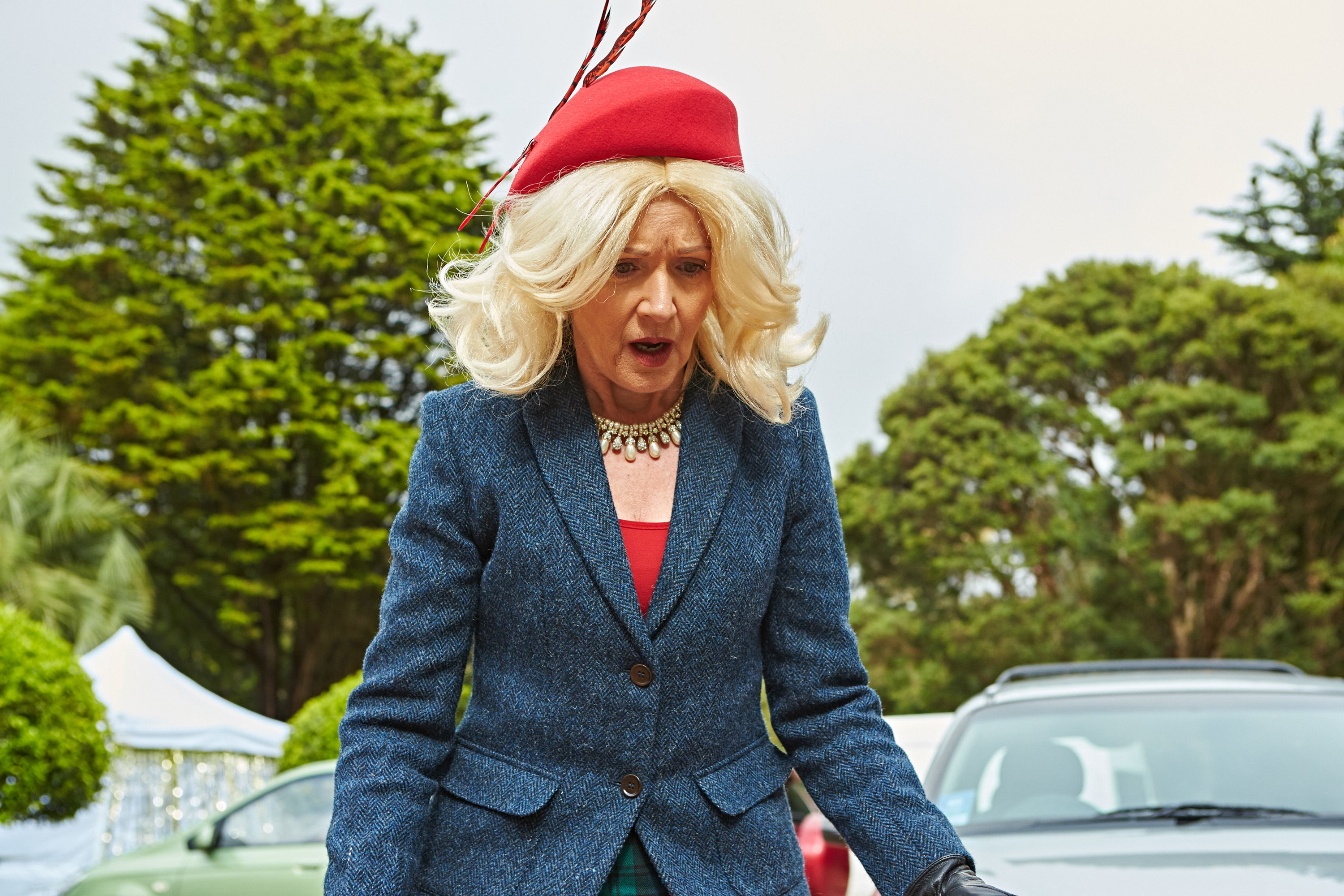 Neighbours SPOILER: Susan Kennedy comes face to face with love rival Izzy Hoyland TONIGHT