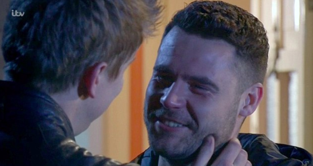 Emmerdale SPOILER: Robert and Aaron BOTH secretly plan to propose!