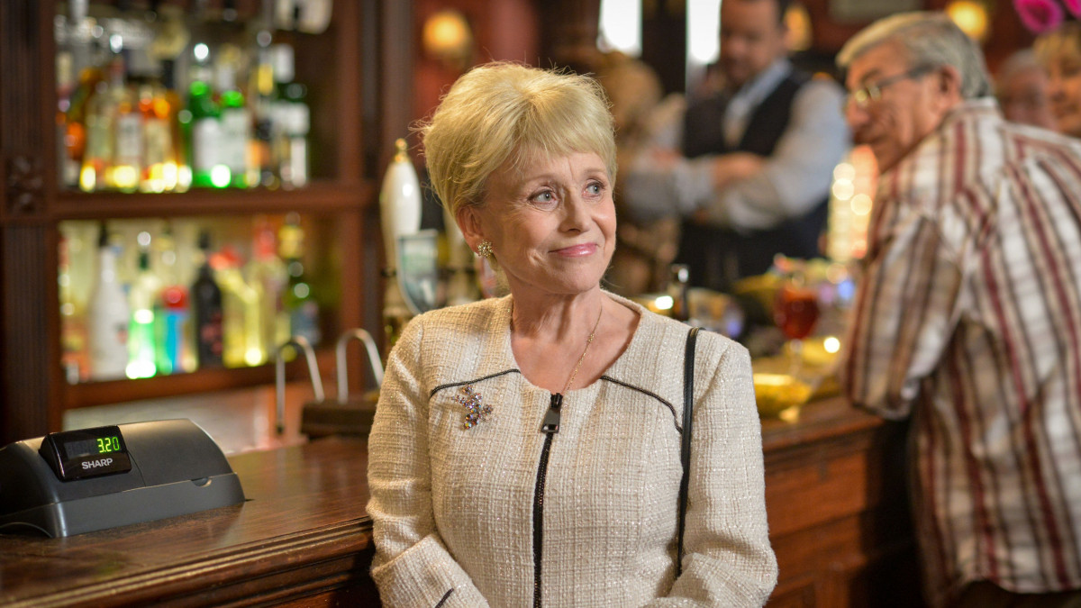 Barbara Windsor can forget she's married after Alzheimer's diagnosis