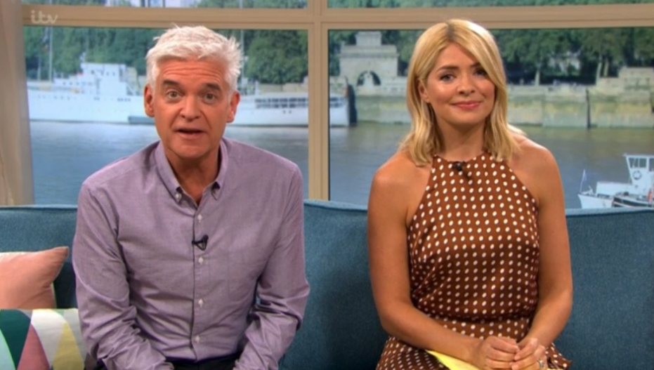 Holly Willoughby left flustered as she meets ultimate crush on This Morning
