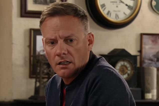 Corrie's Sean Tully caught up in vicious attack