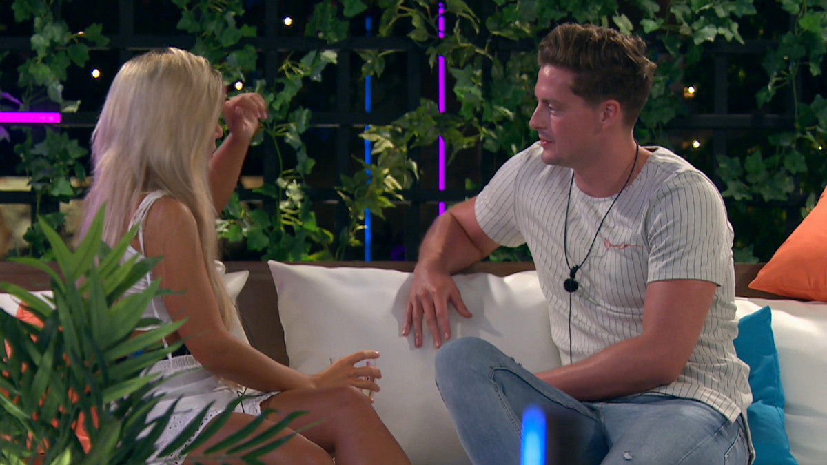 Love Island SPOILER: Alex tells Ellie he'd like to recouple with her