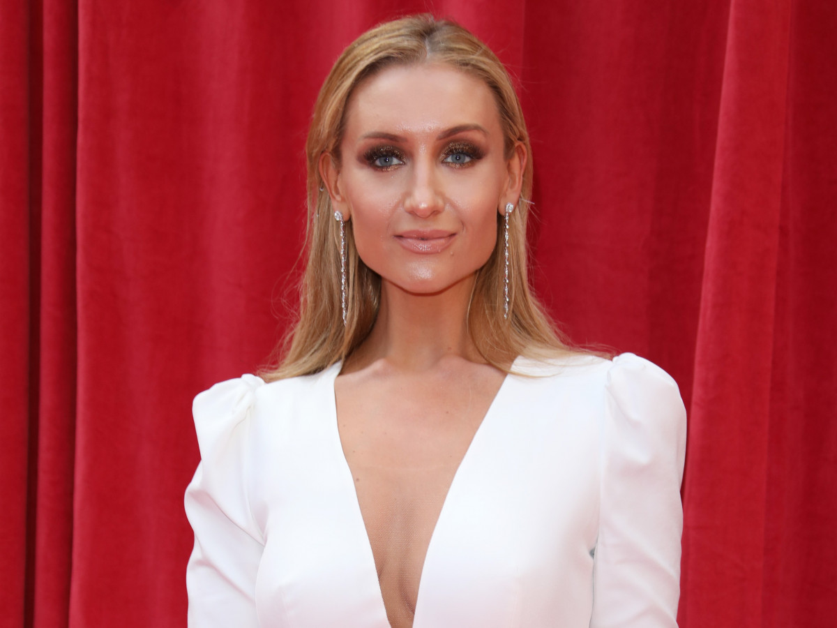 Catherine Tyldesley hits back at train passenger who 'body-shamed' her