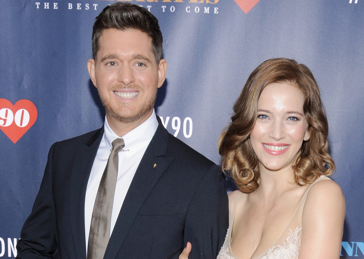 michael bubl233 and wife luisana lopilato reveal newborn