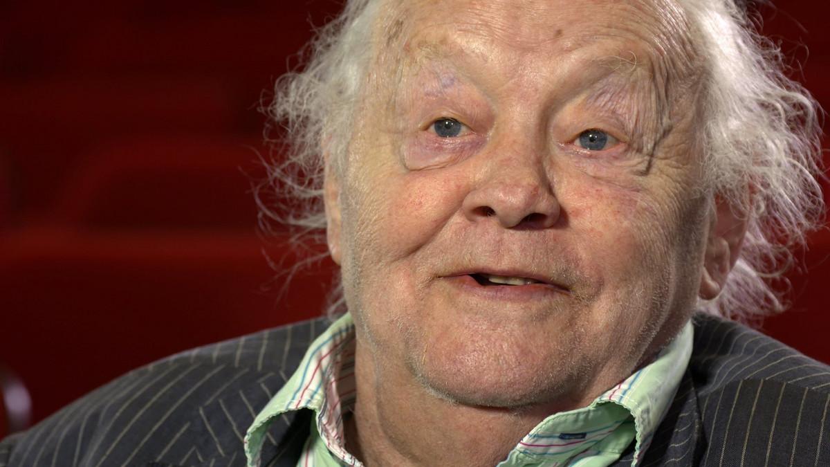 Actor Dudley Sutton dies aged 85