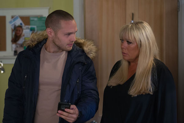 """EastEnders fans spot error in hilarious and """"iconic"""" Sharon and Keanu scenes"""
