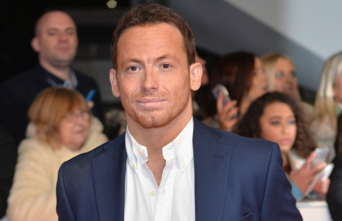 Joe Swash and Stacey Solomon say goodbye as he heads to jungle