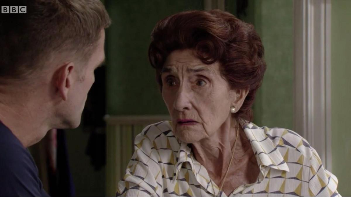 """EastEnders fans heartbroken as """"soap icon"""" Dot reveals she's dying"""