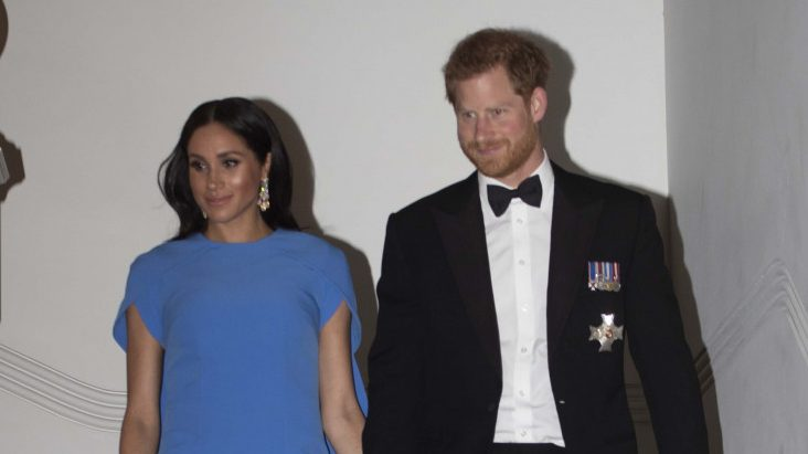 Duchess of Sussex reveals clear glimpse of baby bump at Fiji state dinner
