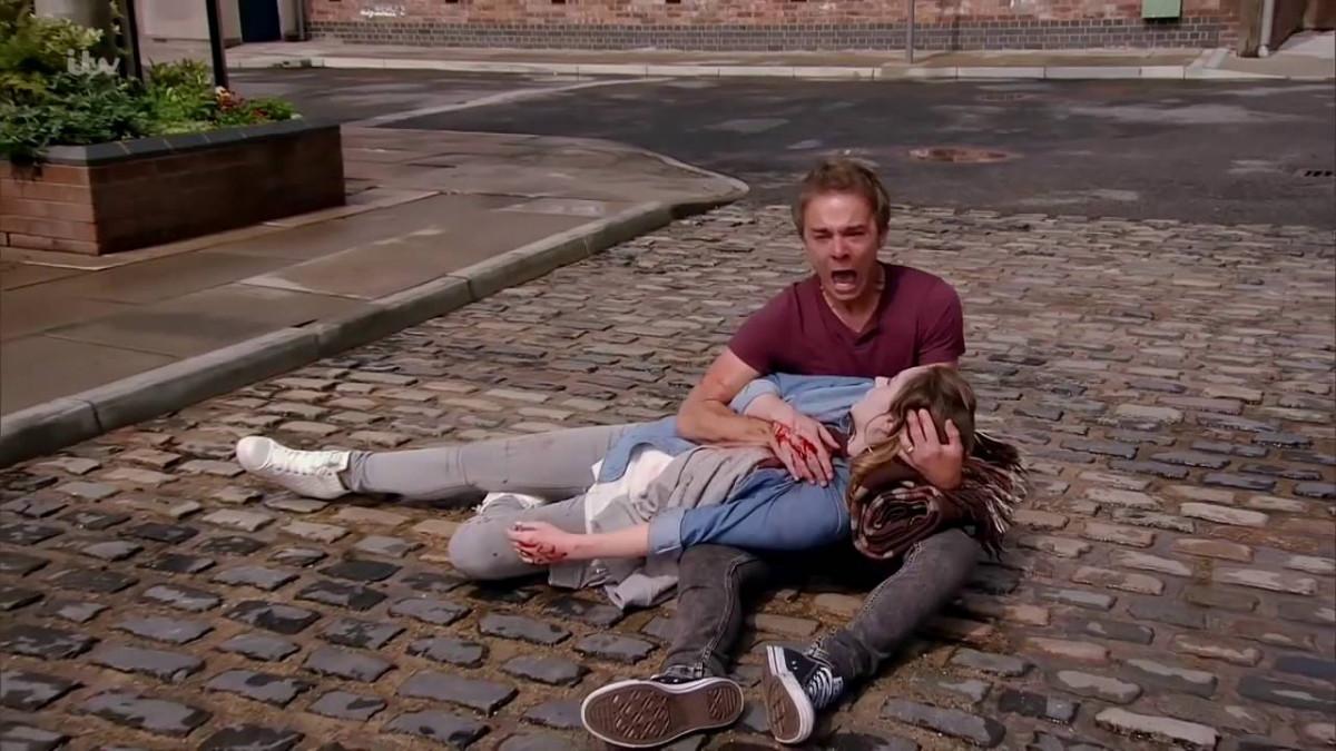Corrie fans thrilled as David Platt and Kylie reunite!
