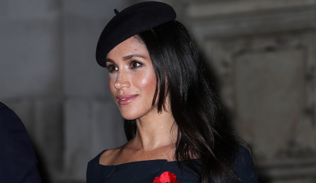 Why Queen 'will WEIGH' Duchess of Sussex on Christmas Day