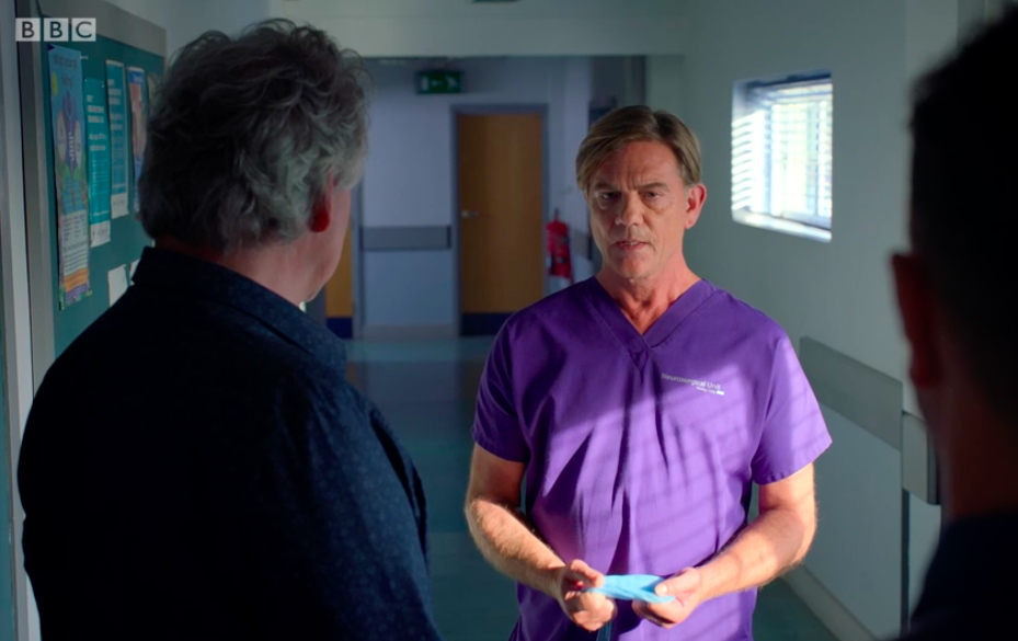 Guy Self returns to Holby City to save Jac Naylor and fans can't cope