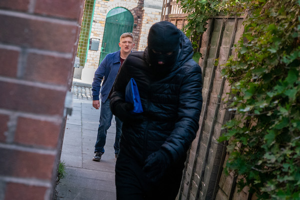 Coronation Street SPOILER: Chesney robs Dev to save Sinead