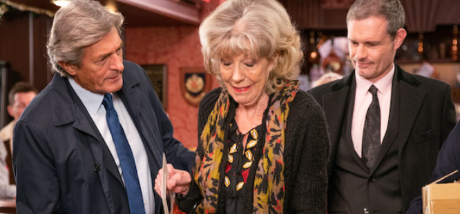Corrie SPOILER: Audrey will get ripped off by Lewis AGAIN despite family's warnings