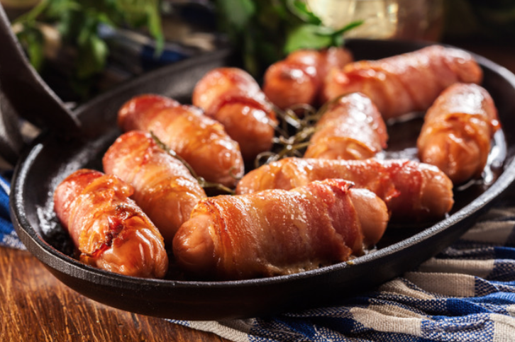 Pigs in blankets, mulled wine and Christmas trees pose DEATH threat to asthma sufferers