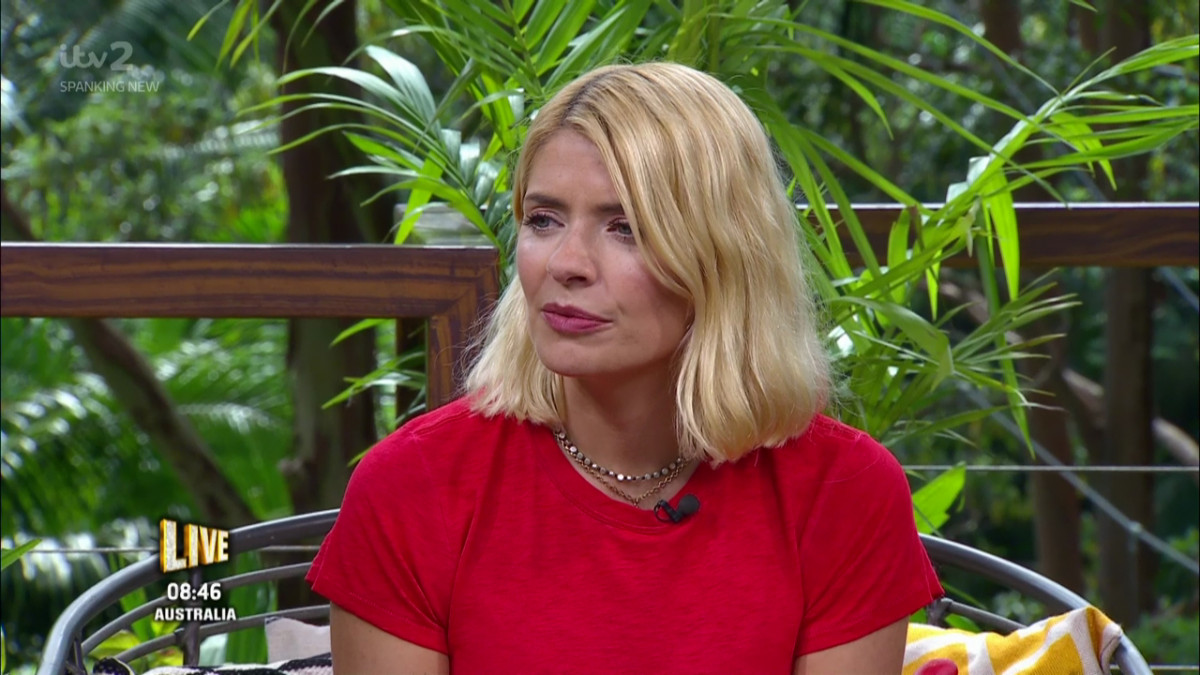 Holly Willoughby 'paid £19,000 for luxury flight back home from Oz'