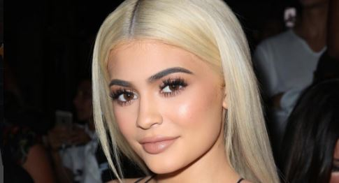 Kylie Jenner tries to upstage Kim K by stripping down