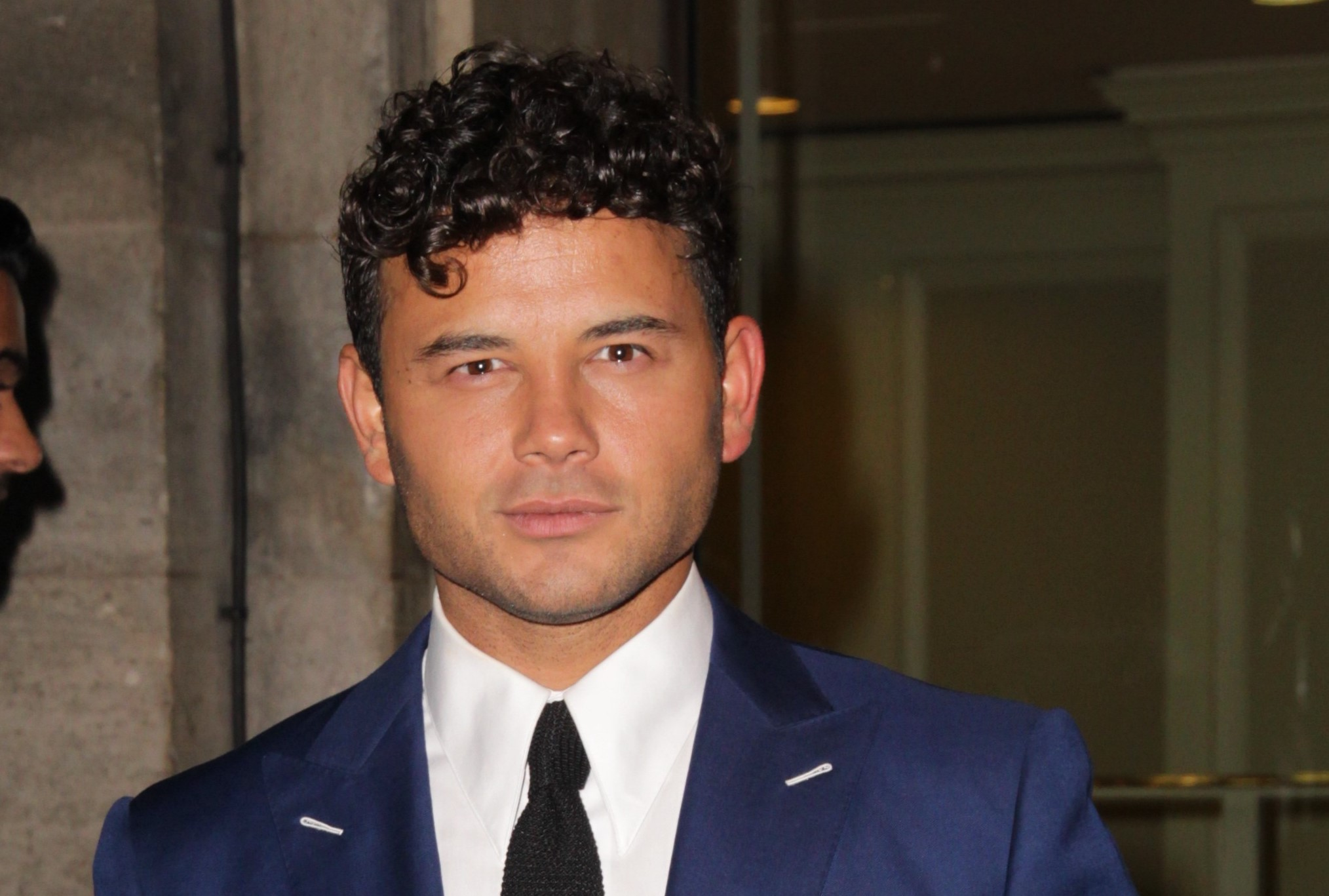 Ryan Thomas shares sweet snap as he prepares to leave Neighbours