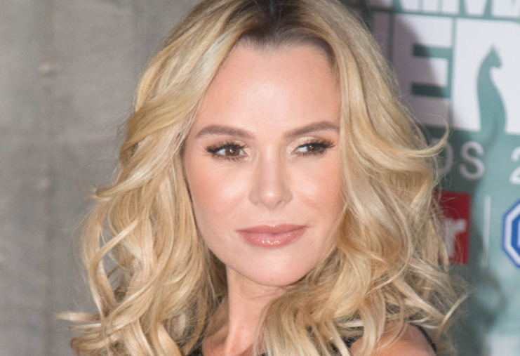 Amanda Holden praises NHS as she releases statement about poorly sister
