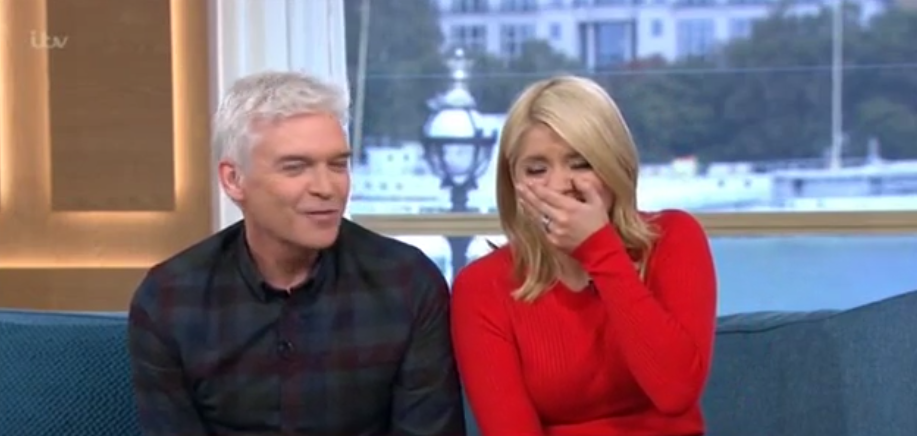 """Holly cracks up as clown admits craze """"could kill a child"""""""