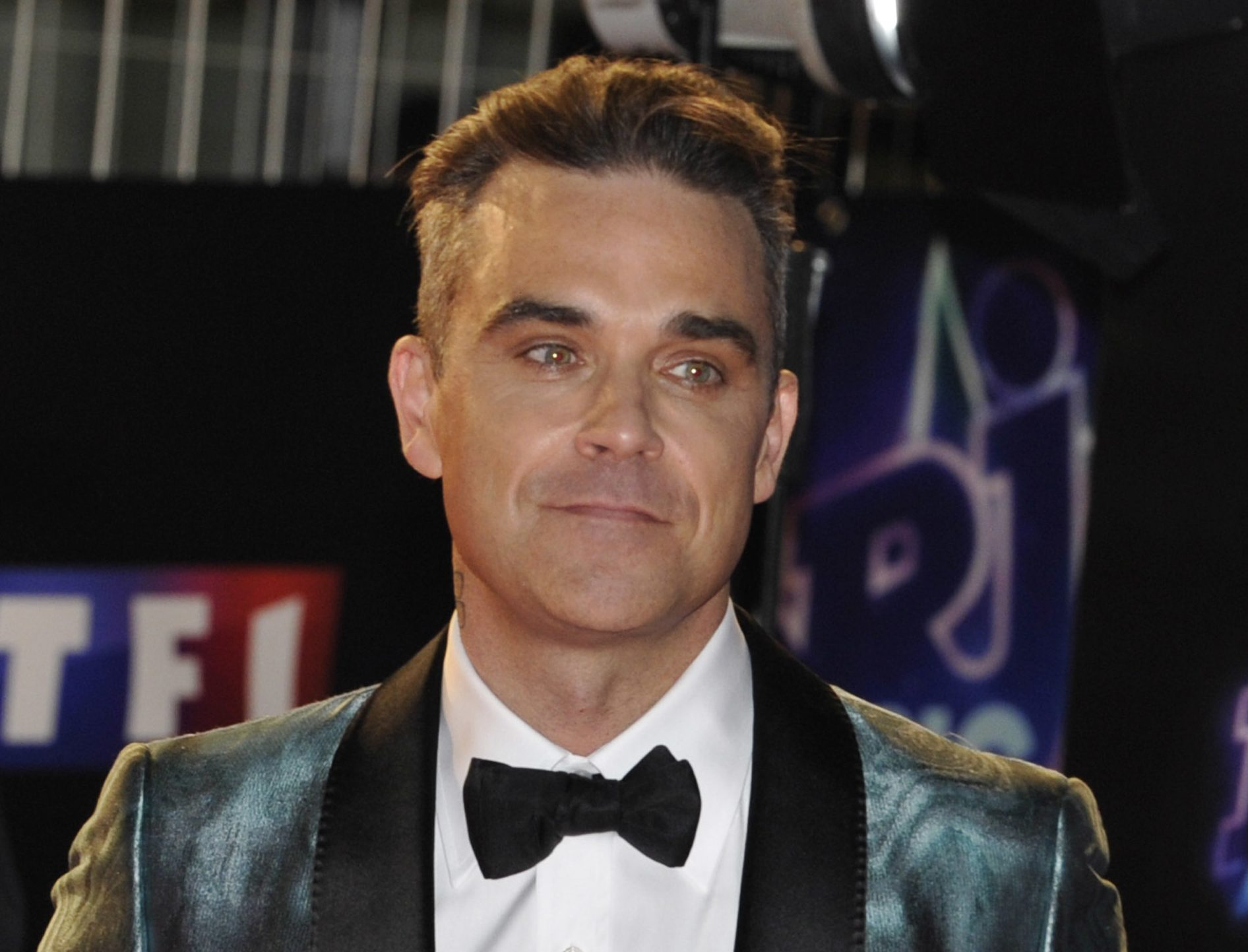 Robbie Williams gives interesting reason for his new body