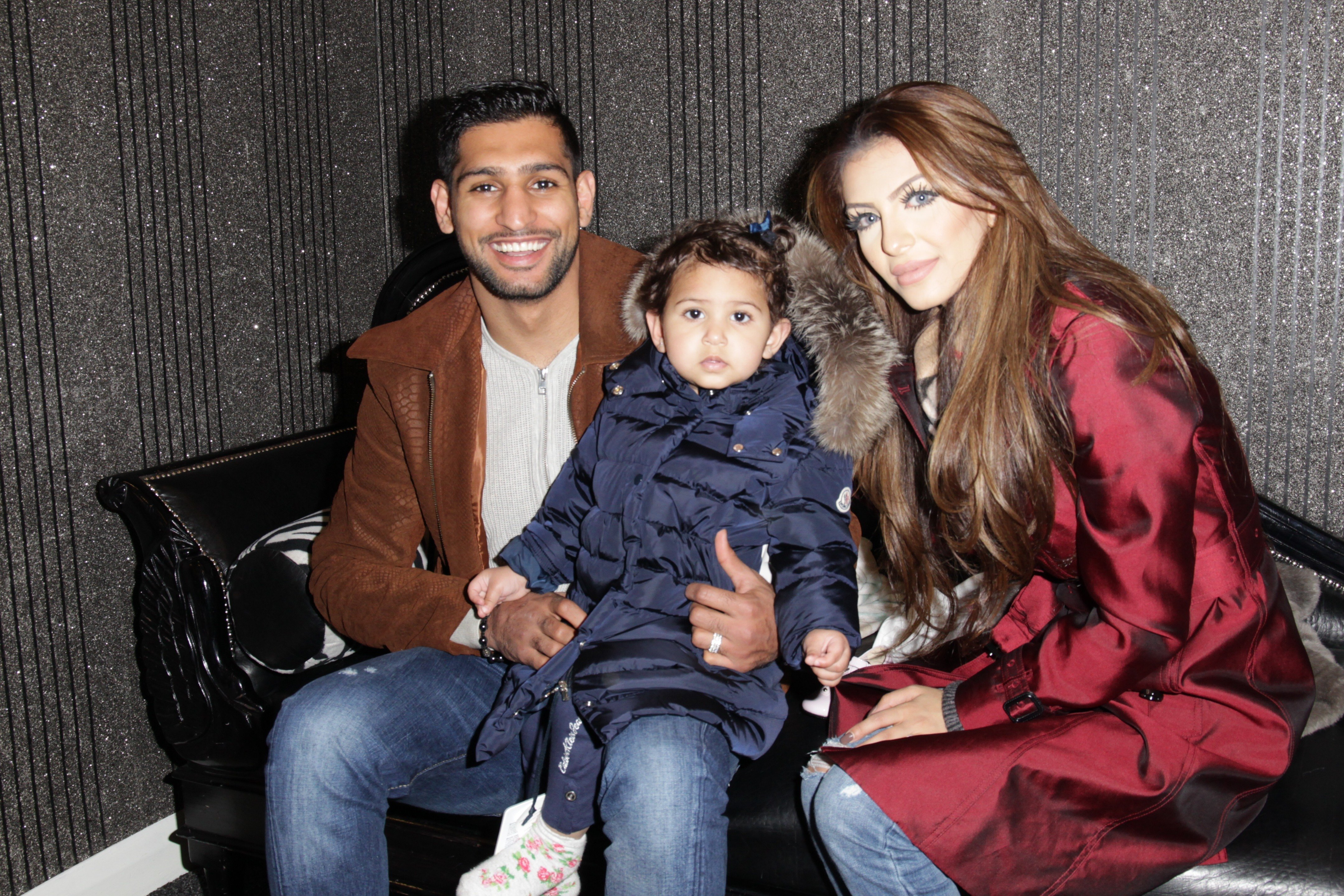 Amir Khan leaves the country just hours after marriage back on track tweet