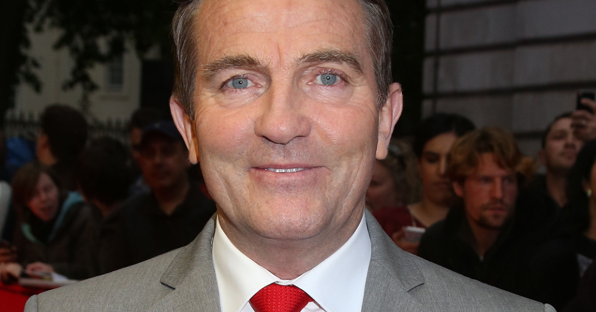 """Bradley Walsh loses it over """"naughty words"""" round on The Chase"""