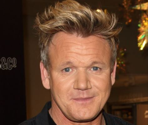 Burn! Gordon Ramsay is slating dinners on Twitter and is HILARIOUS