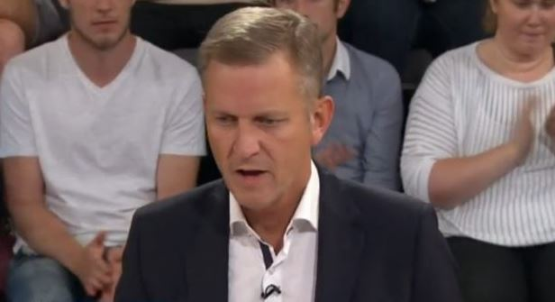 Jeremy Kyle gets put in his place by Scottish MP on GMB