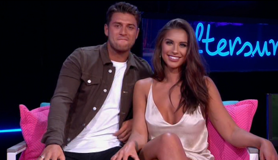 Love Island fans spot intimate moment between Jess Shears and Mike Thalassitis