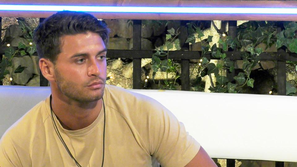"Love Island's Mike Thalassitis posts lengthy statement about ""disgraceful rumours"""