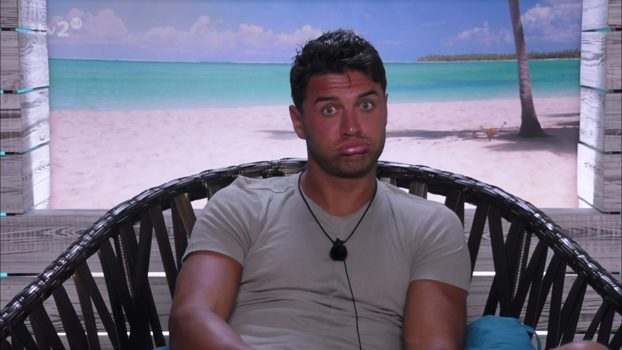 Love Island's Mike forced to call POLICE as he enjoys night of passion with model